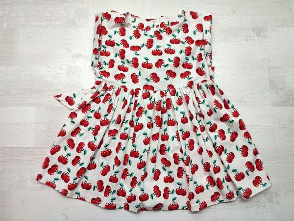 Платье с поясом вишни
