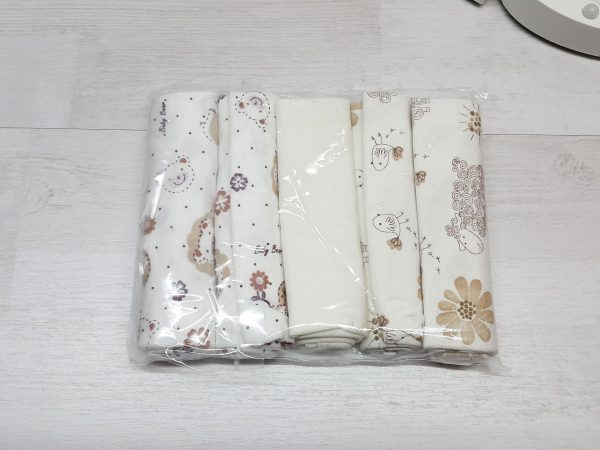 Комплект гигиенических салфеток бежевых в упаковке