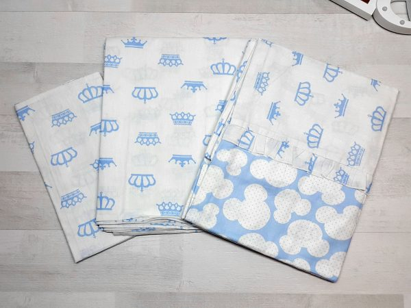 Комплект постельного белья голубой с коронами