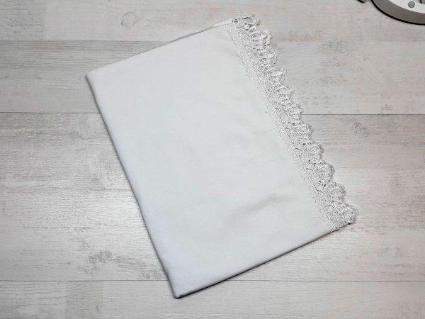 Пеленка с кружевом на выписку белая