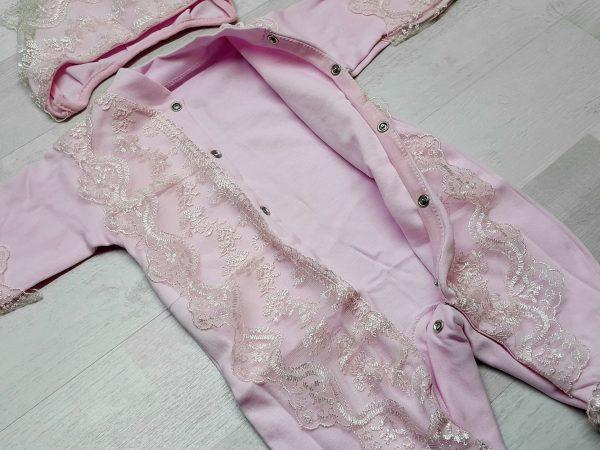 Комбинезон и чепчик с кружевом розовый 3