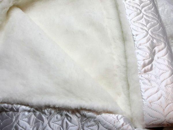 Одеяло-конверт с мехом белое 2