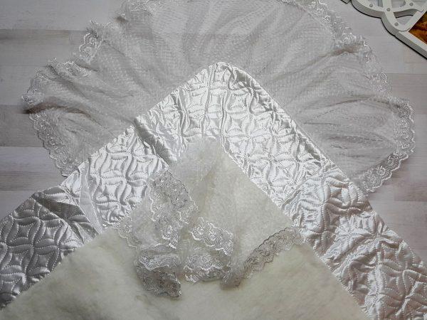 Одеяло-конверт с мехом белое 3