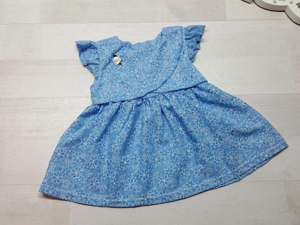 Платье из батиста голубое