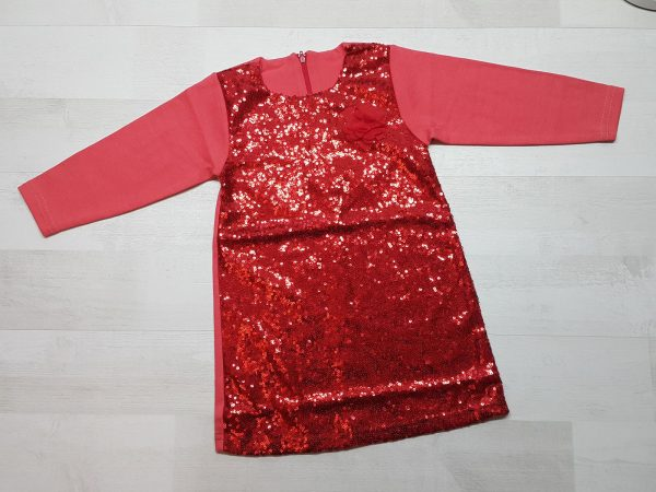 Платье с пайетками красное