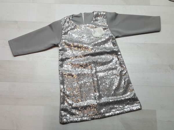 Платье с пайетками серебристое