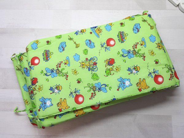 Набор в кроватку зеленый с шариками 2