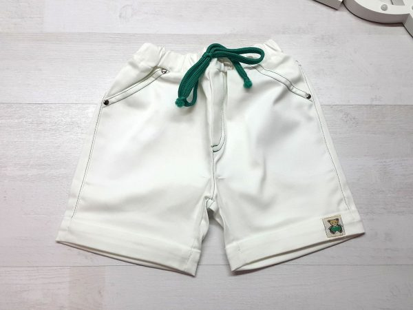 Шорты белые с отворотом и шнурком зеленые
